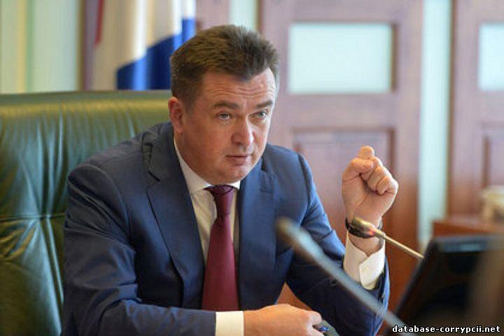 """губернатор приморского края взятка слова: """"Слуги"""